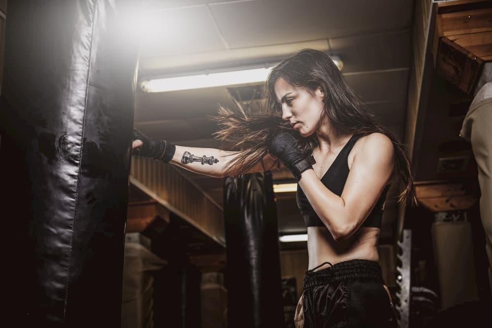 暗闇フィットネスの中で特にキックボクシングがおすすめな理由