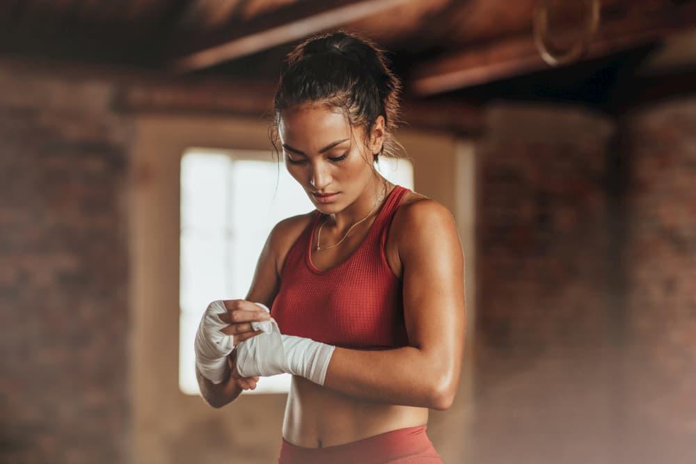 キックボクシングではキックやフットワークが重要