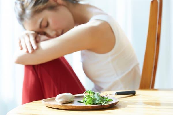 """""""全く食べないダイエットはリスク大"""